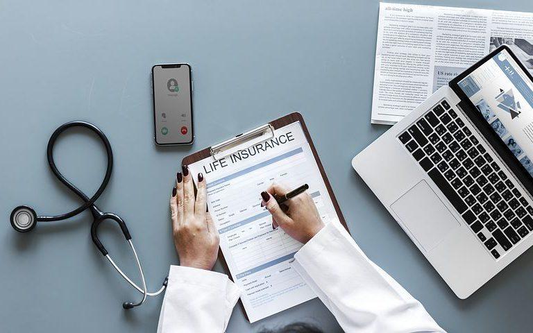 Laryngologia – w czym i kiedy ma okazję pomóc?
